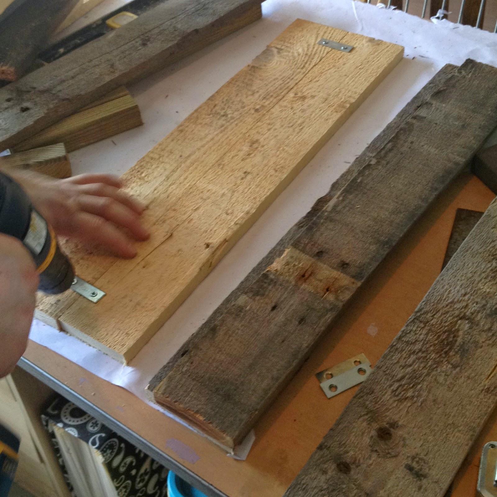 Crafty in Crosby: Easy DIY Pallet Window Box