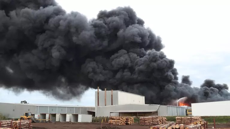 Paint Canisters May Be Behind Explosions At Massive West Footscray Factory Fire