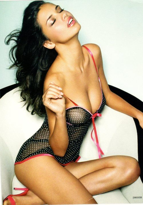 Adriana Lima Unseen Hot Pictures