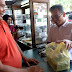 Keasyikan Ngobrol Soal UKM, Sihar Habiskan Dua Bungkus Dodol Tanjungpura