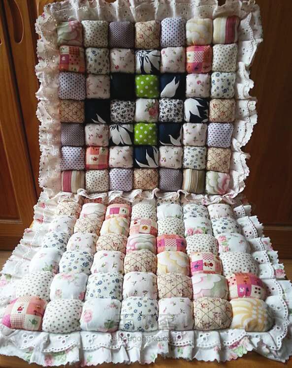 Pillow Puff Quilt. Подушка из пуфиков