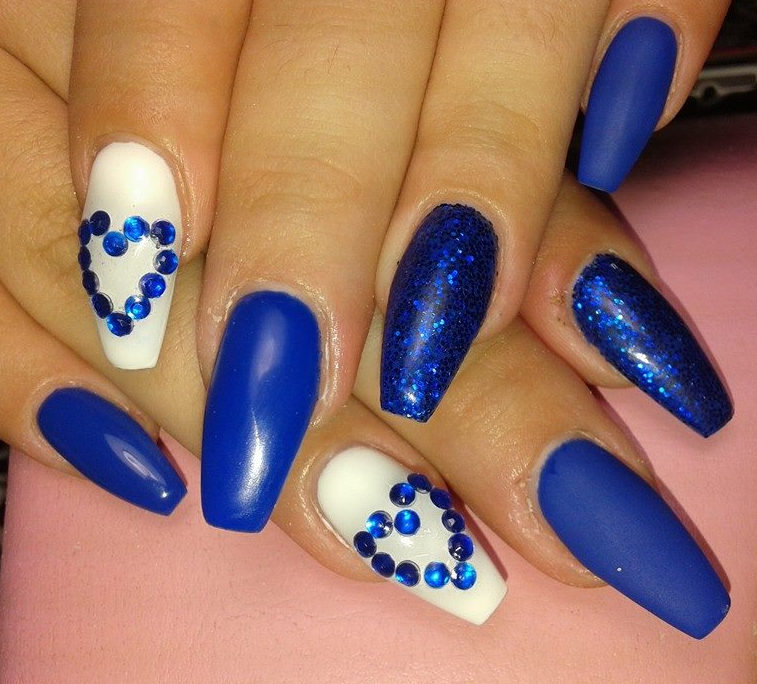 nail ideas in bluewhite