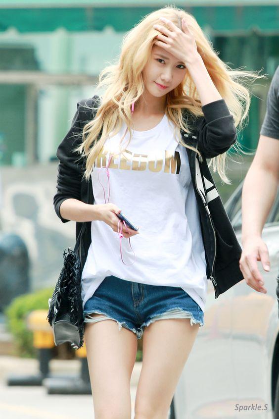 Santa Claus - Yoona / Girls Generation #streetstyle
