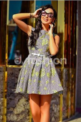 rochie scurta de vara si de ocazie in dungi negre si imprimeuri florale in nuante de galben