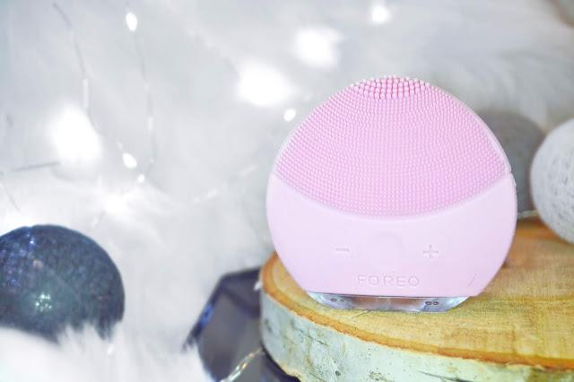 oczyszczanie cery z makijażu i zanieczyszczeń