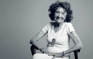 Το 100χρονο αγαπημένο μας κορiτσι, έχει ένα mantra που το λέει ξανά και ξανά