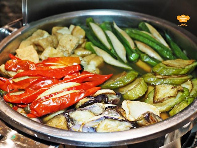 Yong Tau Foo Juadah Kampung Buffet Dinner Kontiki Restaurant The Federal Hotels Kuala Lumpur