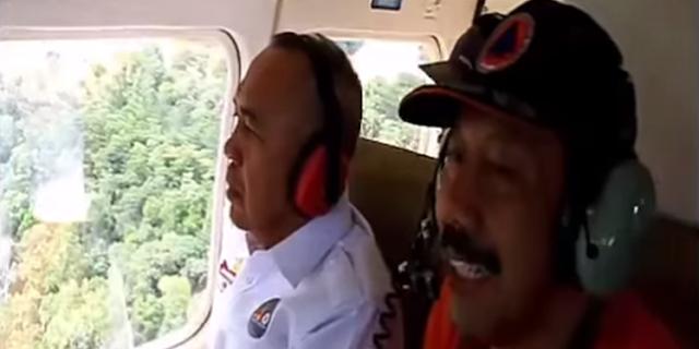 Gunakan Helikopter Gubri Tinjau Banjir dan Jalan Putus di Perbatasan Riau Sumbar