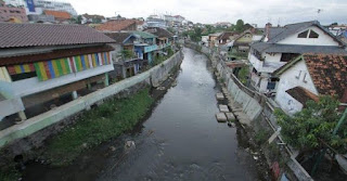 Bantaran Sungai Hilang, Banjir Pun Datang