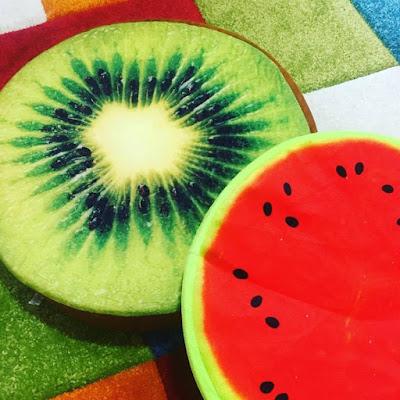 cojín decorativo, sandia, kiwi, cojin de frutas, cojín frutal,