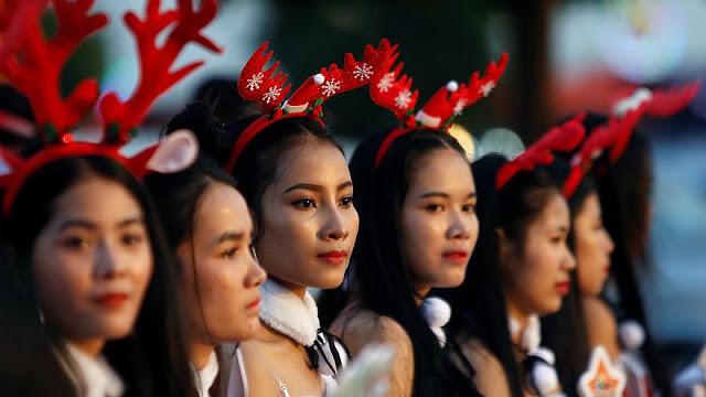 Χριστουγεννιάτικα στιγμιότυπα από όλο τον κόσμο (βίντεο)