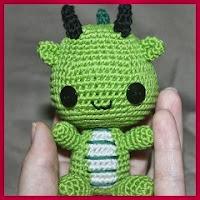 Mini dragón amigurumi