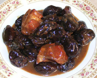 mancare de prune cu carne, prune, mancare de prune, retete, retete culinare, prune uscate, retete de mancare, mancaruri cu carne, mancaruri cu prune, mancare de prune cu carne de porc, retete cu prune, preparate din prune, retete cu porc, preparate din porc, mancaruri dulci, prune uscate cu ciolan afumat, food, recipe, cooking,