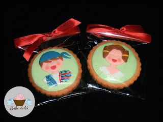 Galletas decoradas con fondant. Fallas