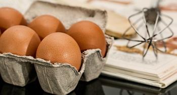 memutihkan kulit tangan dengan telur