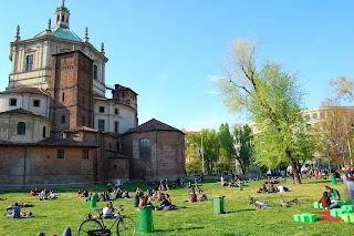 Parco Papa Giovanni Paolo II, behind the Basilica  of San Lorenzo Maggiore