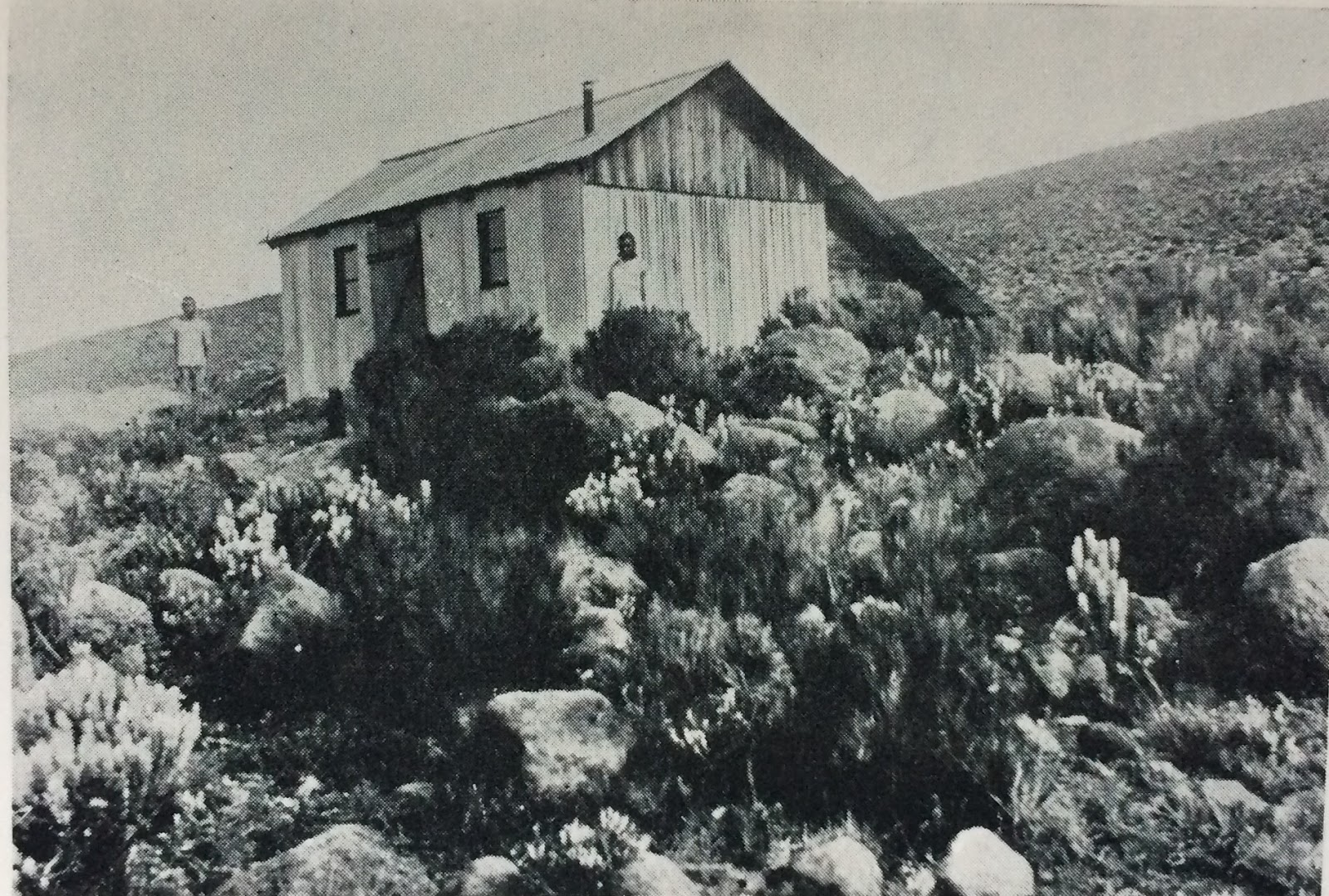 1926 - Die Peters Hütte in Africas Dome of Mystery