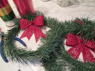 tutorial to make thrifty wreaths