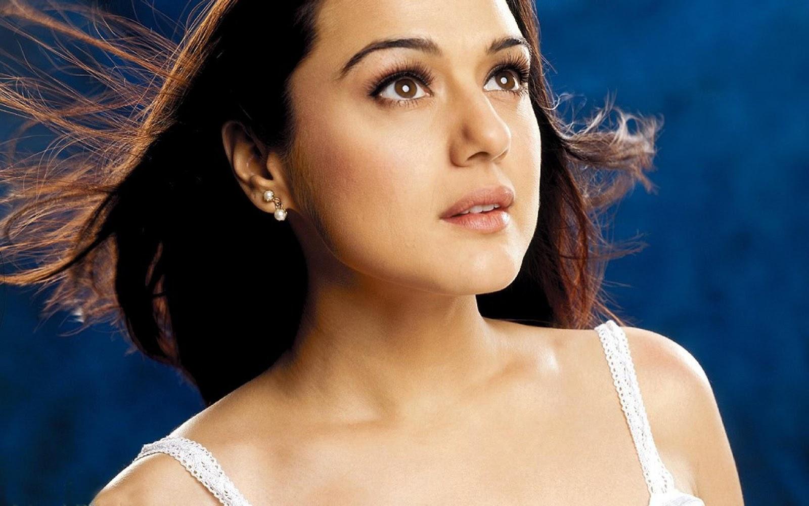 Preity Zinta Hot Photo Shoot Free Download 2013 -5854