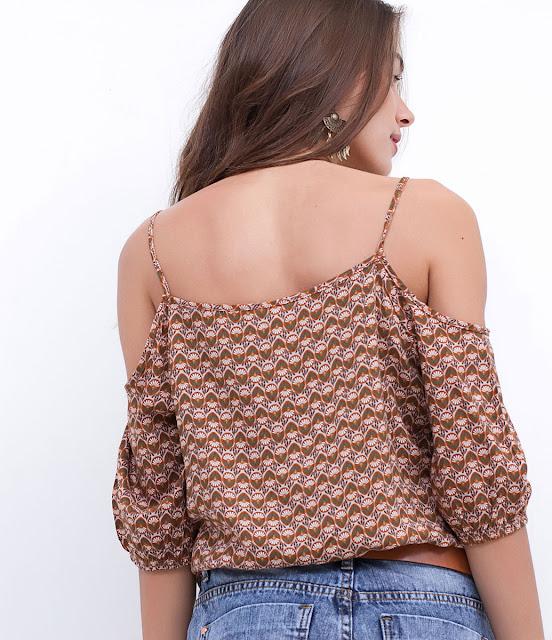 Blusa ciganinha estampada com amarração