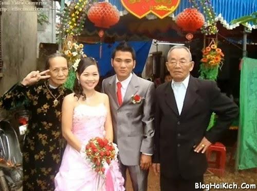 Ảnh vui nhộn về cụ bà tạo dáng xì tin trong đám cưới