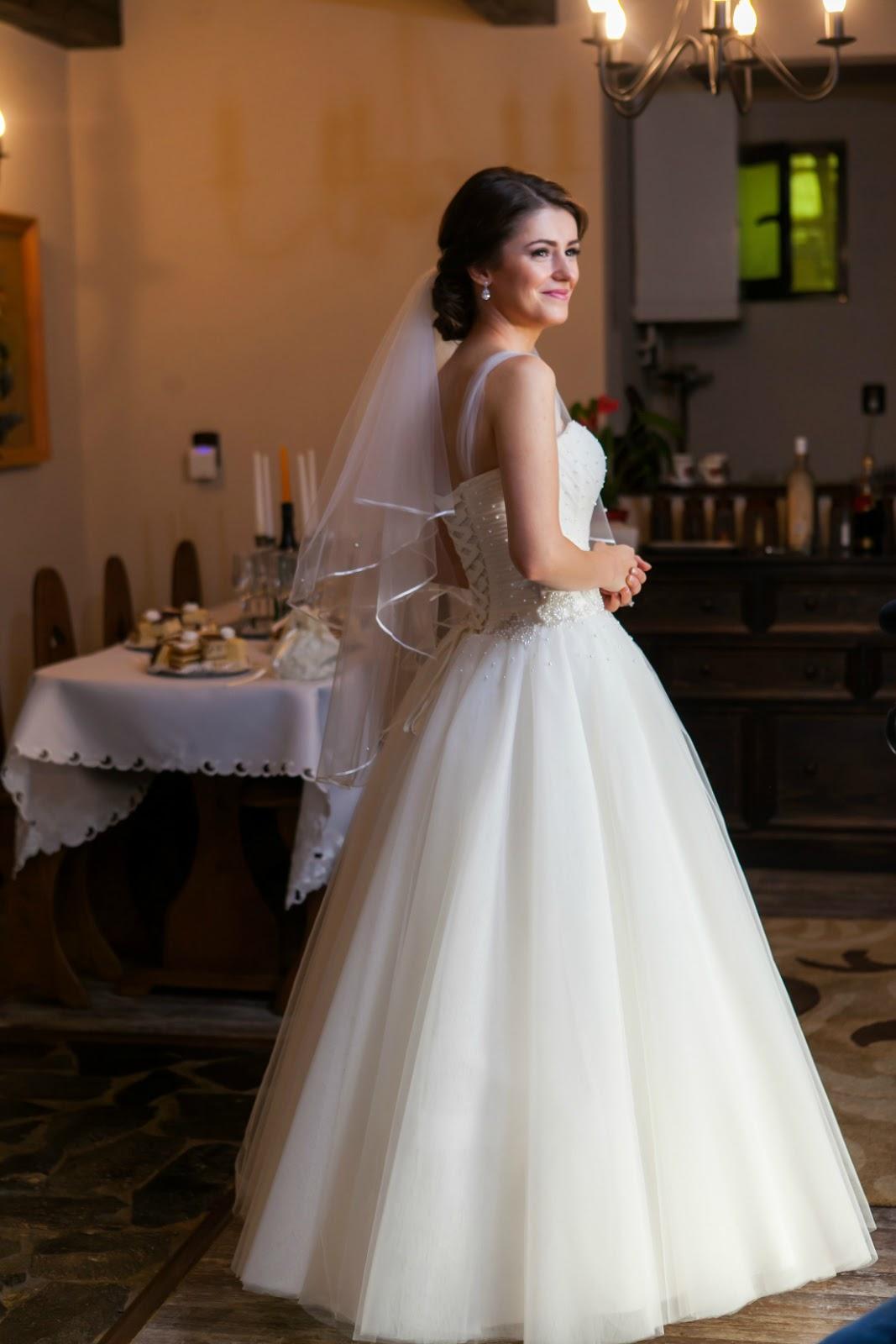 princess wedding bride dress with pearl bodice