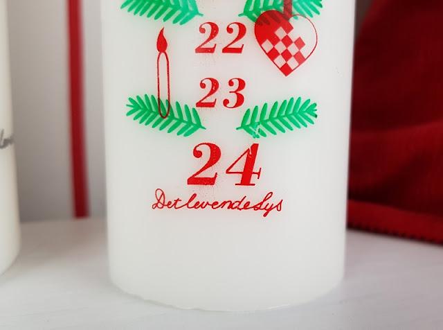 Unsere drei dänischen Adventskalender. Kalenderlys heißt die traditionelle Adventskerze auf Dänisch.