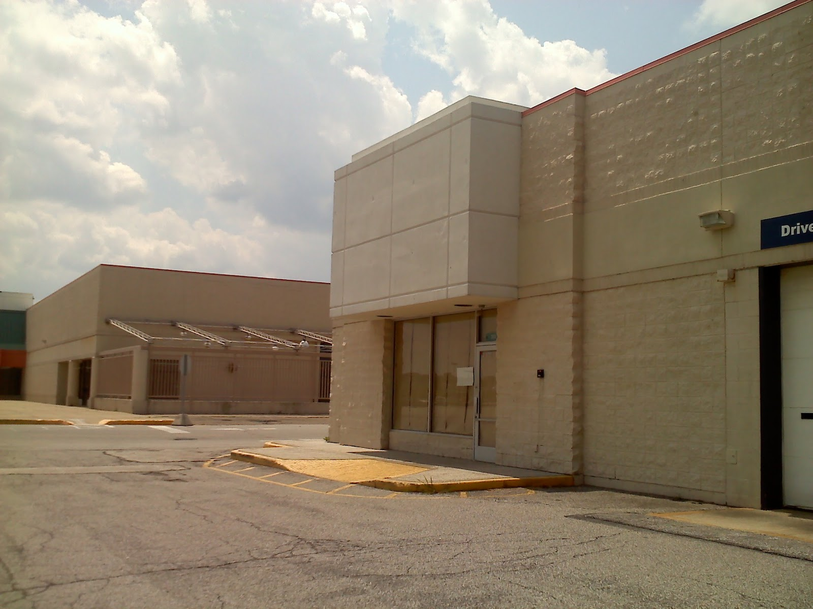 Dead And Dying Retail Closed Super Kmart Stores In Ohio