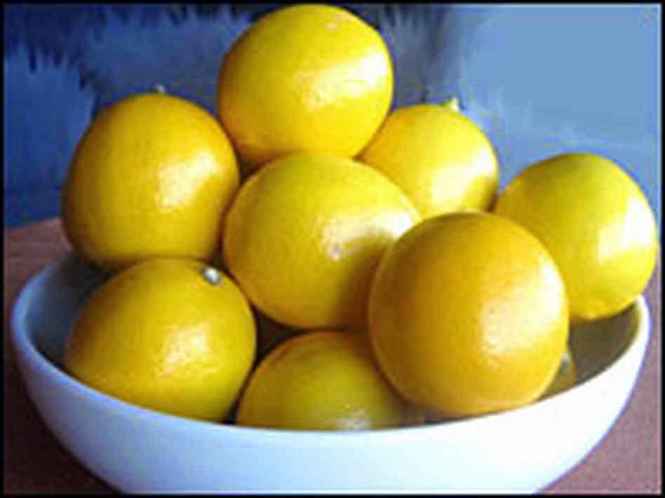 Lindaraxa Meyer Lemon Pound Cake With Glaze