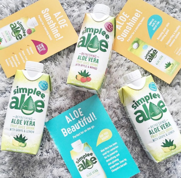 Simplee Aloe Refreshing Aloe Vera Fruit Juice Drink