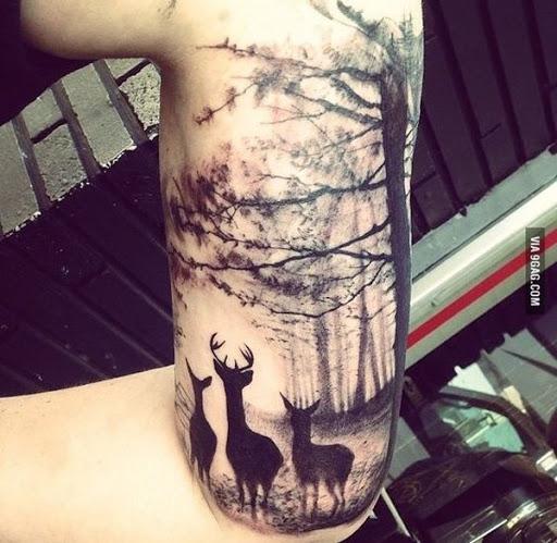 Veados, assim como as árvores, também pode ser um símbolo de renascimento. Mais esse é apenas uma imagem magnífica e design digno de ser incorporado em sua pele uma vez por todas.