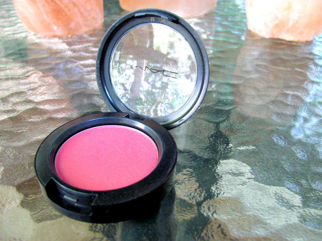 mac-cosmetics-dollymix-blush
