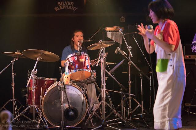 シルエレゆき birthday 企画ライブのおかさんといっしょのコピーバンド dr.曽根賢(ex. カラフルシューズ)