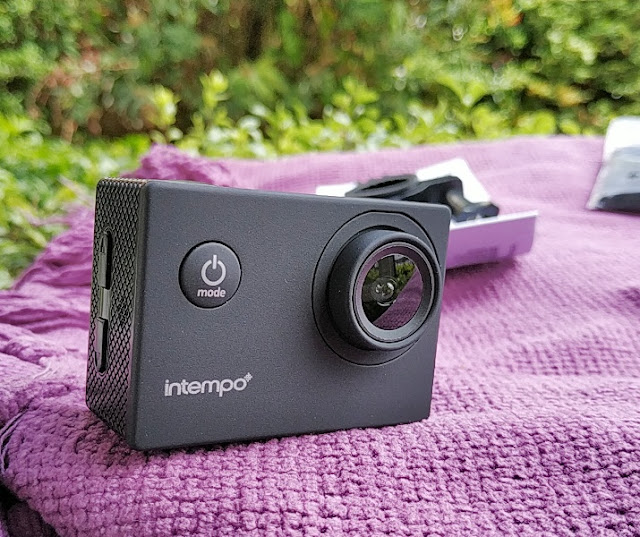 50//60 Hz Video Output 1080 P HD Video Resolution with USB Charging Cable INTEMPO/® EE2233STKEU Sync Waterproof Wide Angle IPX8 Action Camera with Self Timer Function