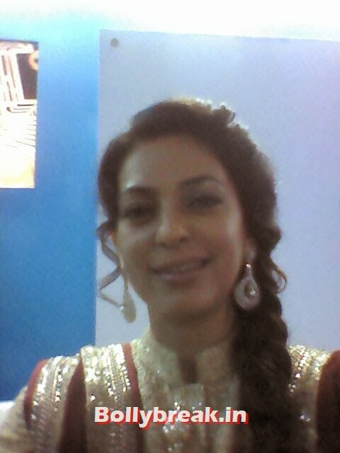 Juhi Chawla, Bollywood Celebs Selfies from Star Screen Awards - Actresses & Actors