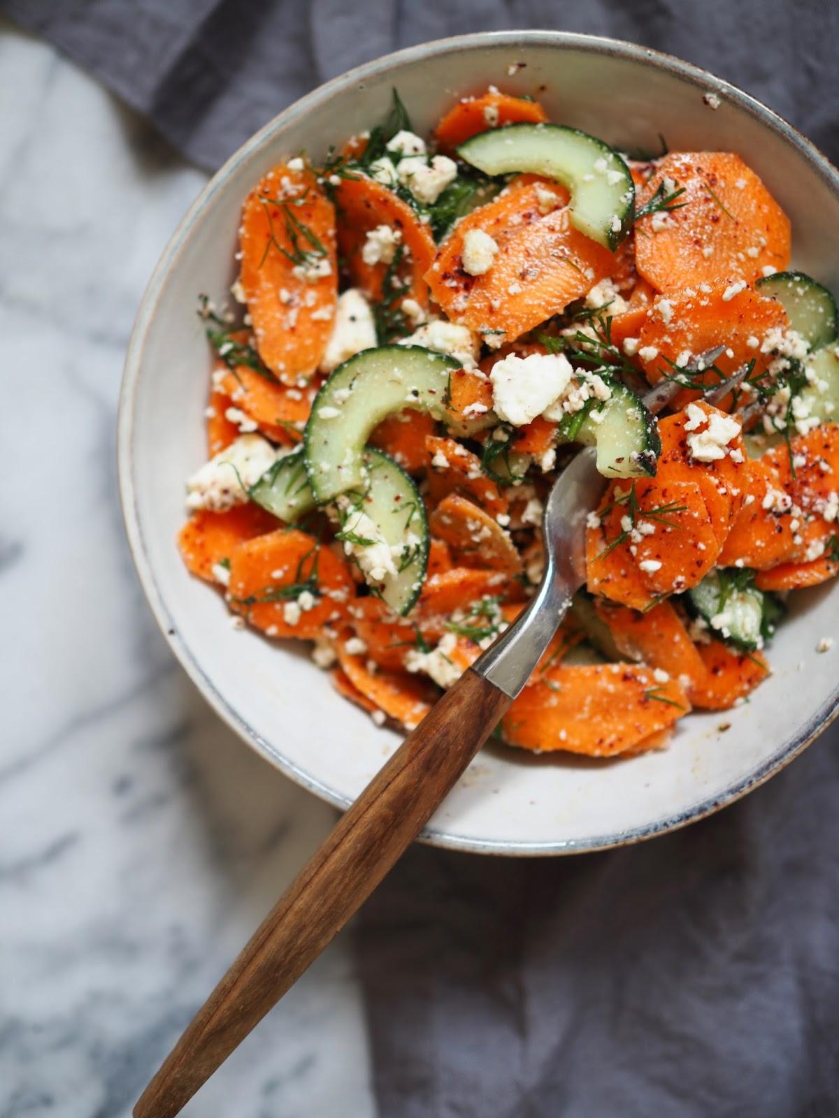 Sumakilla maustettu porkkanasalaatti, feta-prkkanasalaatti, Lähi-idän porkkanasalaatti