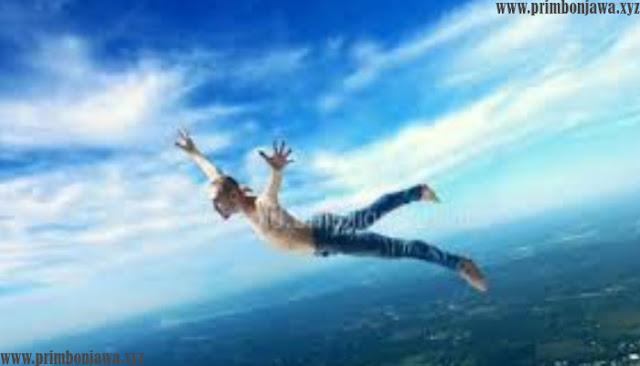 22 Arti Mimpi Terbang Lengkap Dengan Maknanya Menurut Primbon Jawa.