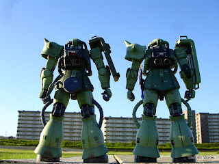 MG MS-06J Ver.2.0 vs MG MS-06F Ver.2.0 比較(背面)
