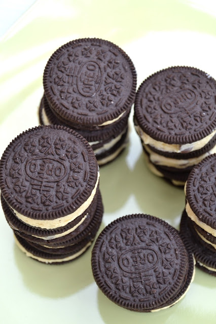 Oreo cookies with a cookie dough filling