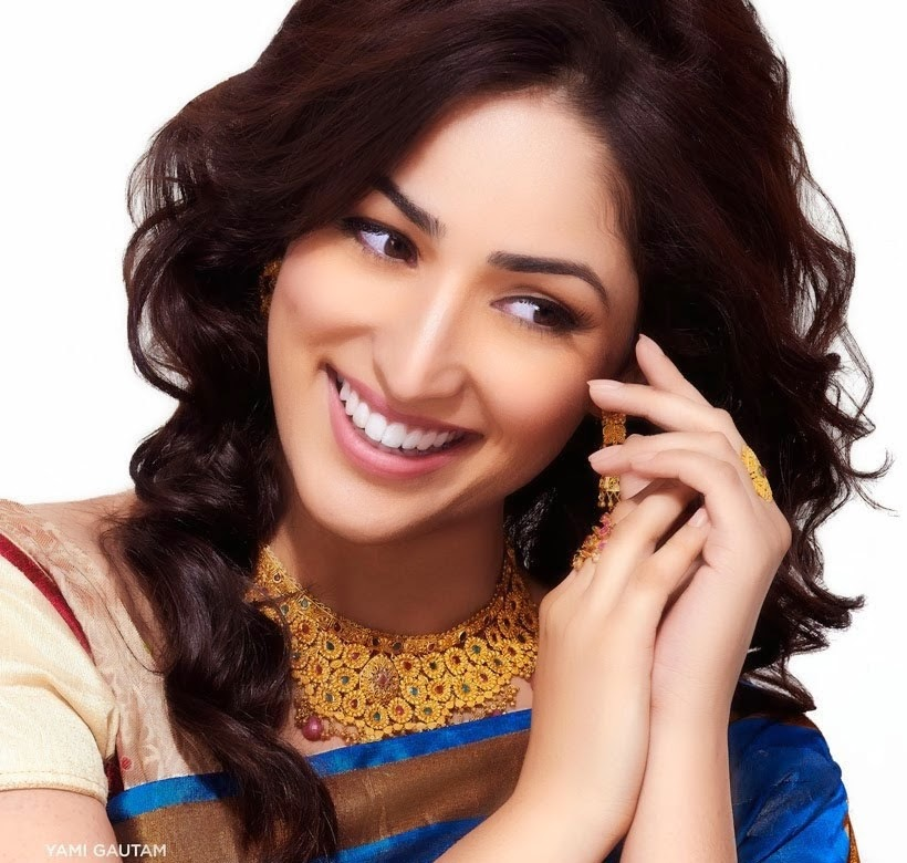 Yami Gautam in blue silk saree