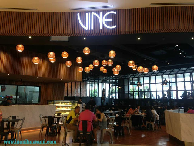 Vine Cafe di The Starling Mall