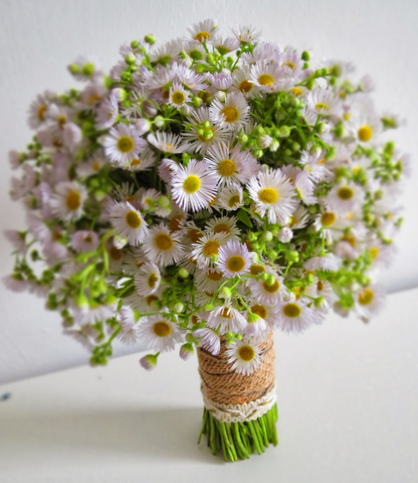 Fall Wedding Flowers - Choose the Right Fall Wedding Flowers For the Month