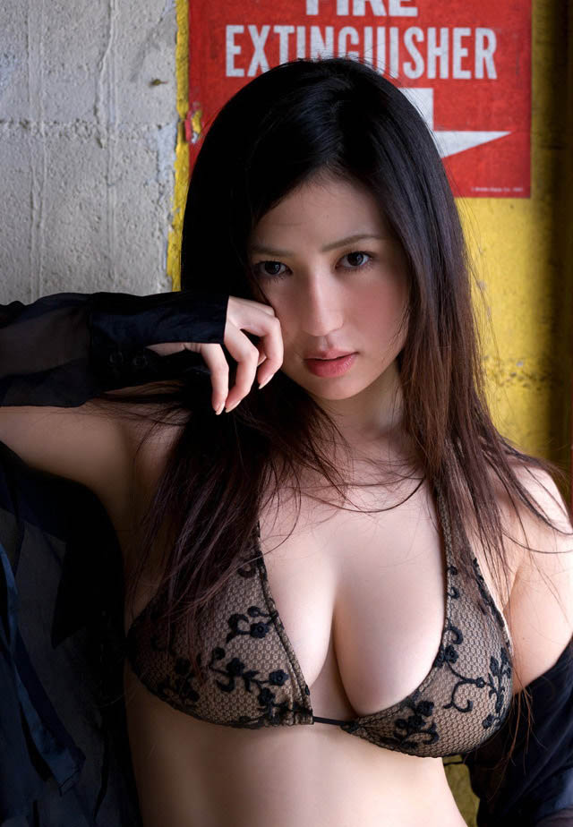 nonami takizawa hot bra and panty photos 02