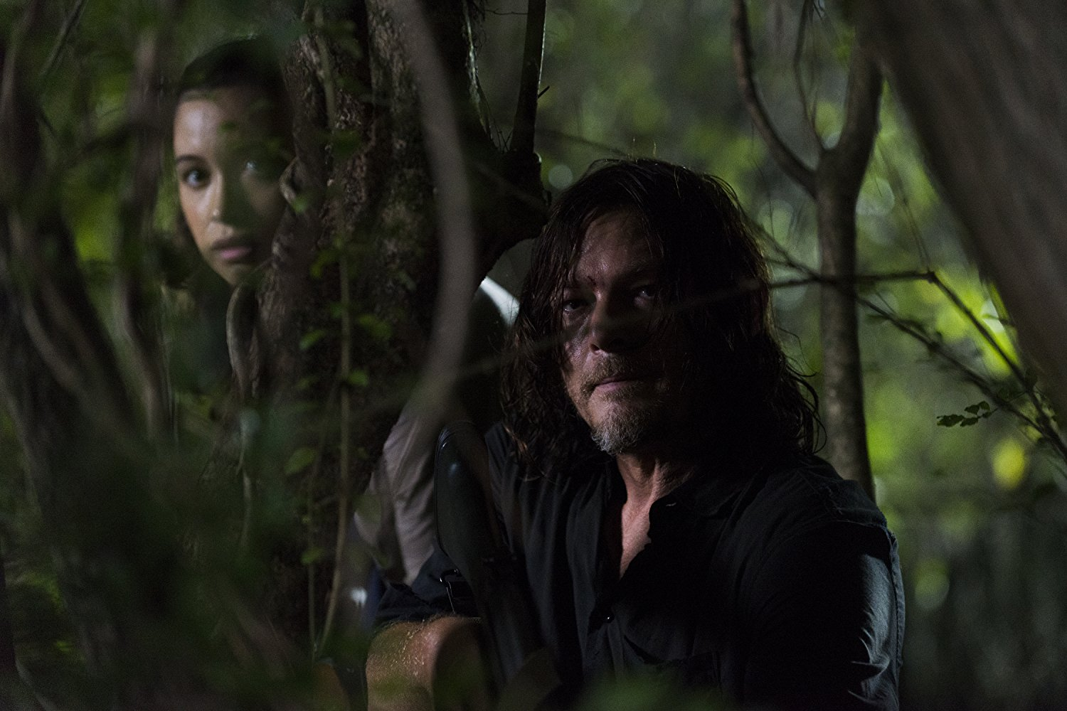 Daryl y Rosita en el episodio 8x08 de The Walking Dead