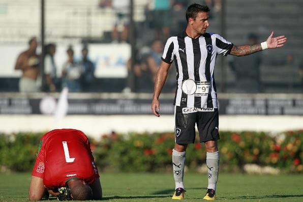 Melhor no clássico, Botafogo perde invencibilidade