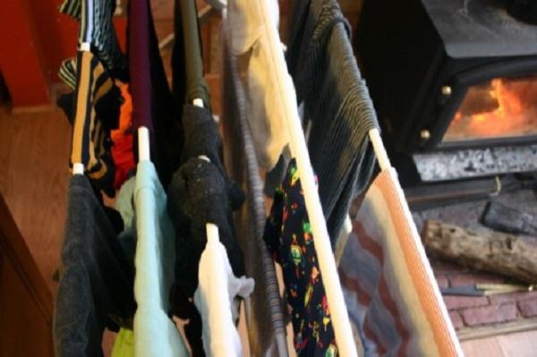 5 Bahaya Bila Menyidai Baju Basah Di Dalam Rumah