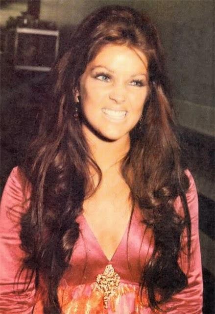 Priscila Presley jovem