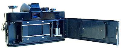 Minolta SRT-303, Film back