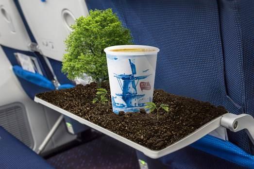KLM menu w samolocie, czy jedzenie w samolocie jest darmowe, jedzenie w samolocie KLM, posiłek w samolocie KLM jak zamówić, catering w samolocie, co znaczy UTZ, Linie lotnicze,
