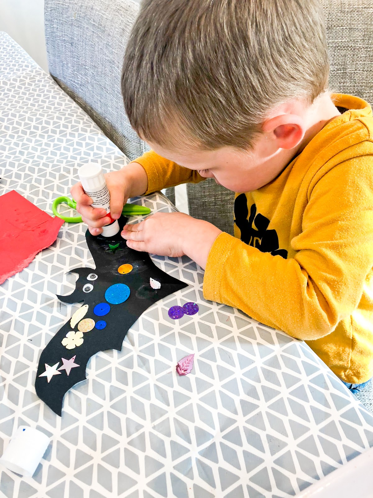 halloween crafts with kids, 10 Fun Things To Do This Halloween Half Term On A Budget
